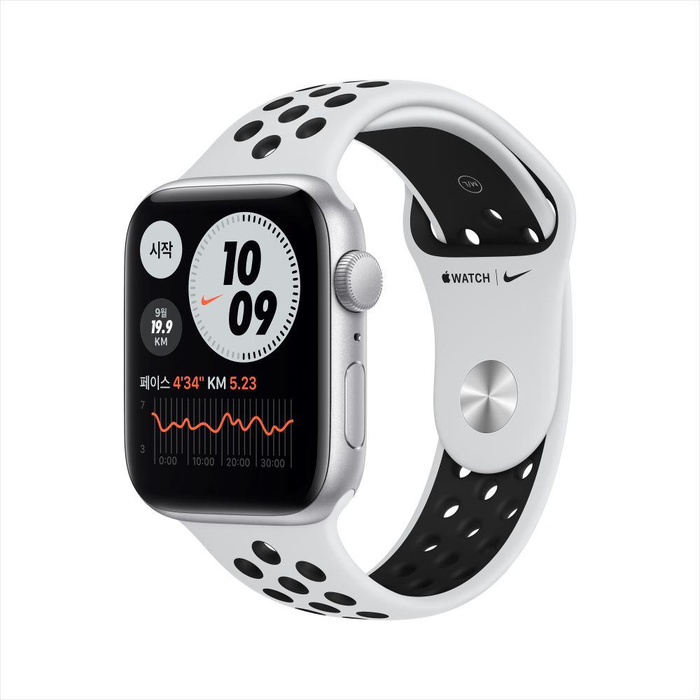 Apple Watch SE Nike GPS 44mm 실버 알루미늄 케이스, 그리고 퓨어플래티넘/블랙 Nike 스포츠 밴드 (MYYH2KH/A)